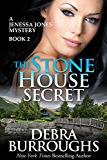 The Stone House Secret, A Romantic Mystery Novel (A Jenessa Jones Mystery Book 2) (English Edition)