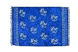 ManuMar Damen Sarong Blickdicht | Pareo Strandtuch | Leichtes Wickeltuch in Königs-Blau mit Palmen-Motiv mit Fransen/Quasten | 155x115 cm | Sauna-Handtuch | Haman-Tuch | Bikini | Bali
