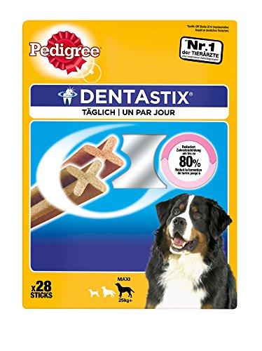 Pedigree DentaStix Hundeleckerli für große Hunde / Kausnack mit Huhn- und Rindgeschmack gegen Zahnsteinbildung für gesunde Zähne / 4x28 Stück