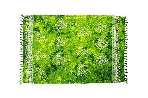 MANUMAR Damen Pareo blickdicht, Sarong Strandtuch in grün mit Schmetterling Motiv, XL Größe 175x115cm, Handtuch Sommer Kleid im Hippie Look, für Sauna Hamam Lunghi Bikini - Frottee Tunika Kleid