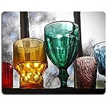 Luxlady ratón para Gaming imagen ID: 23650028colección de cristalería de Vintage en la estantería en la ventana de la casa vieja