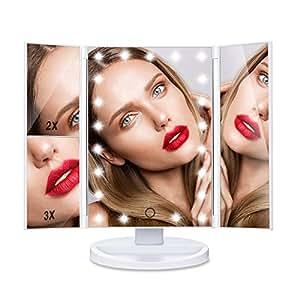 HAMSWAN SM217-DL è uno Specchio per Trucco a LED Pieghevole Che Consente 180 Gradi di Rotazione. Questo Specchio è Capace di Ingrandire 1X 2X 3X. E' un Prodotto Atto a Migliorare la tua Bellezza Direttamente a Casa Tua.