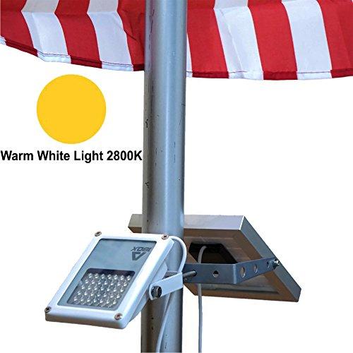 ALPHA 180X (warm weiße LED) Solar-Fahnenmastleuchte zur Fahnenmastbeleuchtung / Gusseisen-Straßenleuchten-Stil im Doppelpack als Scheinwerfer mit Biegewinkel von 180 Grad als Uplight oder Downlight / U-Bügel-Halterung passt an Fahnenmasten mit maximalem Durchmesser von 6,35cm (2,5?)