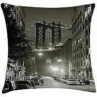 juchenjixie Urban Throw Funda de cojín, puente de Manhattan de la calle en el centro de la noche, Nueva York Estados Unidos foto, cuadrado decorativo acento funda de almohada, 45,7 x 45,7 cm, verde militar