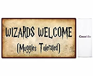 1 x Coco&Bo - Welcome Wizards Party Sign 29 cm x 16 cm - Muggles Tolerated - Magical Wizarding Harry Potter Theme Hogwarts School Room Decorations
