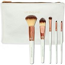 El mejor kit de maquillaje, cinco brochas Lily England en rosa dorado con estuche. El kit incluye brocha para polvos y colorete, brocha de maquillaje, pincel para sombras y pincel en ángulo para cejas. El regalo ideal