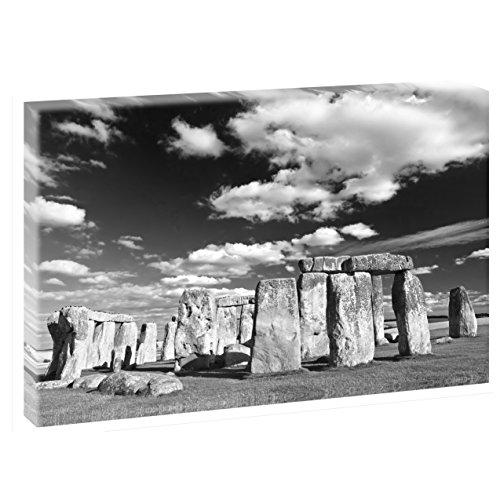 Stonehenge | V1720327 | Bilder auf Leinwand | Wandbild im XXL Format | Kunstdruck in 120 cm x 80 cm | Bild Strand Dünen Steg (Schwarz-Weiß)