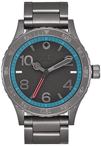 nixon-watch-star-wars-millennium-falcon-a916sw2385-black-man