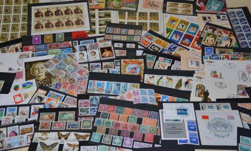 Briefmarken 50 (Goldhahn Überraschungsbeutel 50 Teile - Briefmarken für Sammler)