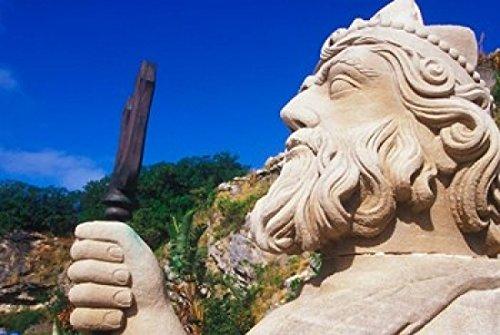 greg-johnston-danitadelimont-statue-of-neptune-in-bermuda-maritime-museum-royal-naval-dockyard-bermu