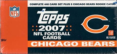 2007 Topps Football Factory Sealed Chicago Bears Box Version with 5 Extra Bears Rookie Cards. Loaded with Stars Including Tom Brady, Ladainian Tomlinson, Philip Rivers, Ben Roethlisberger, Reggie Bush, Vince Young, Randy Moss, Michael Vick, Peyton Manning, Eli Manning, Brett Favre, Donovan Mcnabb, Daunte Culpepper and More! Rookie Cards Include Brady Quinn, Jamarcus Russell, Kevin Kolb, Adrian Peterson, Dwayne Jarrett and Many More! by Topps