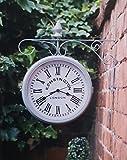 Reloj de doble cara para exteriores Kensington Station, color gris