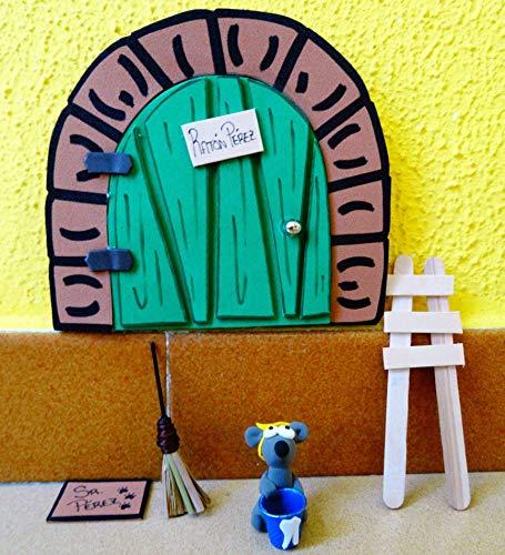 La puerta mágica del ratoncito Pérez personalizable. Incluye ratoncito, escalera, escoba y alfombra.