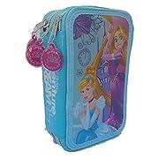 Grazioso borsello porta colori a 3 zip che raffigura i personaggi delle Principesse del mondo Disney. Il borsello è composto da 3 scomparti ogniuno di essi chiuso con un cerniera, nel primo troverete 1 matita, 2 penne, 1 gomma, 1 temperamatit...