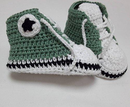 zapatillas-de-crochet-de-bebe-tipo-all-star-disponible-en-varias-tallas-y-colores