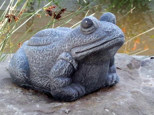 Gartenfigur Frosch in Schiefergrau, Deko-Figur für Haus und Garten, frostsichere Teichdeko