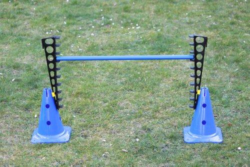 Combi- Valla de entrenamiento azul (2x escalerillas de niveles, 2x conos multifuncionales 30 cm, 1x pica: 80 cm)