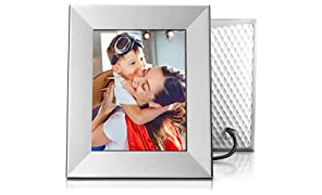 Nixplay Iris - Cornice WiFi Cloud per foto e video 8 pollici: design raffinato, tecnologia d'avanguardia e gioia da condividere. Altro che semplice cornice digitale! Colore: Argento.W08E.