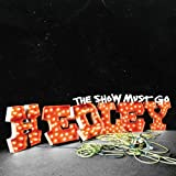 Songtexte von Hedley - The Show Must Go