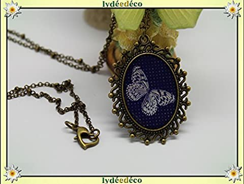 Collier rétro résine médaillon Papillon noir beige laiton bronze chaine boule fermoir coeur ovale