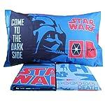 La collezione Star wars di Bassetti celebra il mito della saga cinematografica più premiata della storia del cinema. Il completo copripiumino Vader ha sia il sacco che la federa double face per dare al letto una veste nuova ogni giorno. La particolar...