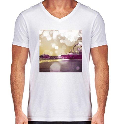 camiseta-blanca-con-v-cuello-para-los-hombres-tamano-m-muelle-bokeh-purpura-by-christine-aka-stine1