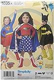 Simplicity 1035 A (3-4-5-6-7-8) - Disfraz Infantil de Wonder Woman, Supergirl y Batgirl (Papel, 22,05 x 15,05 x 1,05 cm), Color Blanco