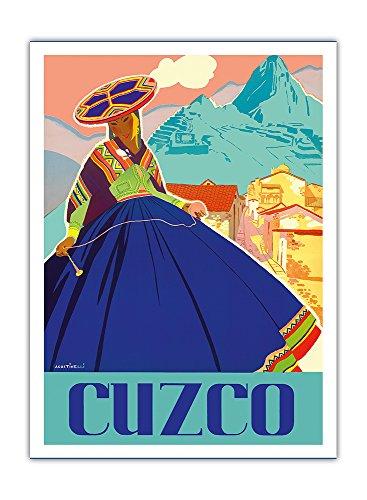 Cuzco, Peru - Machu Picchu - Peruanische Frau in traditioneller Tracht mit Spindel - Vintage Retro Welt Reise Plakat Poster von Agostinelli c.1947 - Premium 290gsm Giclée Kunstdruck - 30.5cm x 41cm (Peruanische Tracht)