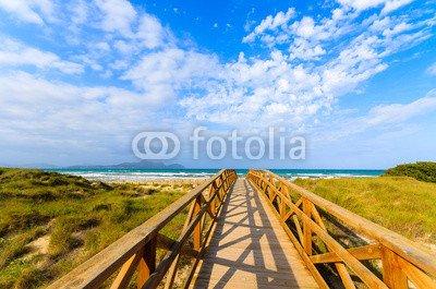 Alu-Dibond-Bild 90 x 60 cm: 'Walkway over footbridge to Can Picafort beach, Majorca island', Bild auf Alu-Dibond