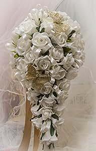 Brides Blumenstrauß In Tropfenform elfenbeinfarben