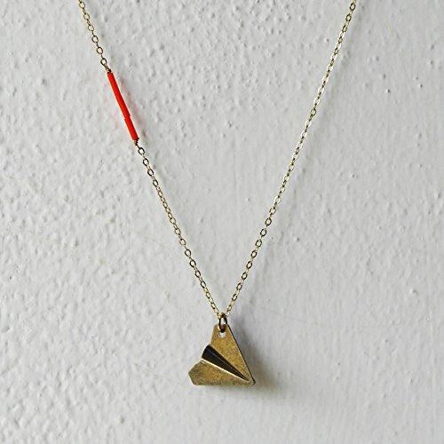 collana-in-ottone-placcato-con-piccolo-aereo-di-carta-metallico-paper-plane