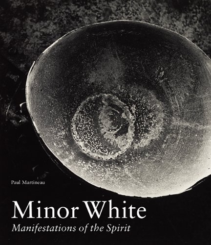 Minor White por Martineau