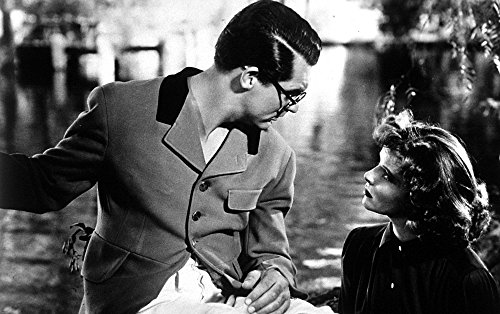 The Poster Corp Film still of Carey Grant and Katharine Hepburn in Bringing Up Baby Photo Print (76,20 x 60,96 cm) -