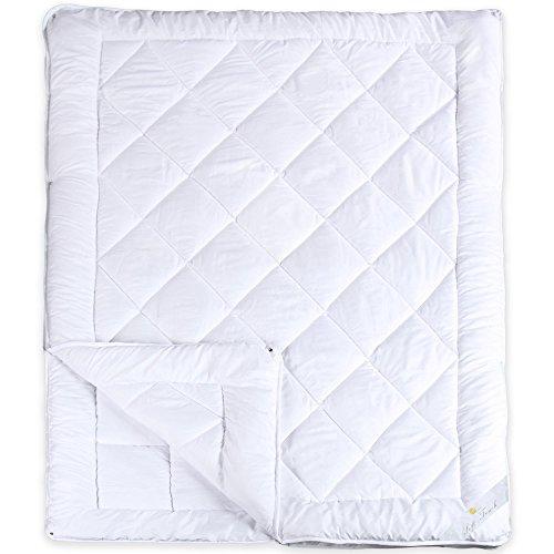 4-Jahreszeiten Bettdecke 135 x 200 cm | Mikrofaser Steppdecke | weitere Decken und Größen wählbar | aqua-textil Soft Touch 0010577