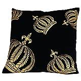 GLÖÖCKLER by KBT Bettwaren 4001626021604 Zierkissen gefüllt schwarz mit bedruckten goldenen Kronen, 50 x 50 cm Samt