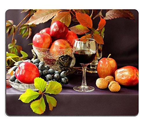 luxlady-gaming-tapis-de-souris-dimage-24581723-ecrous-pommes-raisins-et-un-verre-de-vin-rouge-et-ver