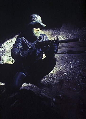 The Poster Corp Michael Wood/Stocktrek Images - A Navy Seal Provides Security with a MP5 Submachine Gun. Photo Print (59,94 x 82,80 cm) -