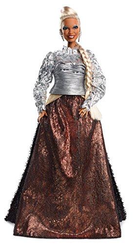 Barbie Signature Madame Quidam, poupée de collection Un Raccourci dans le Temps en robe argent et bronze aux cheveux blonds, jouet collector, FPW25