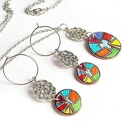 Parure bijoux noeud celtique pendentif rond multicolore abstrait - boucles d'oreille créoles et collier sautoir - cadeau fête des mamans moderne