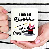 Alicert5II Ich Bin EIN Elektriker Nicht EIN Magier-Elektriker-Becher-Elektriker-Geschenk-Geschenk f¨¹r Elektriker-lustige Elektriker-Kaffeetasse-Schale