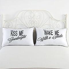 """Idea Regalo - DasyFly Federe copricuscino con testo [in inglese] """"I Love My Wifey"""" e """"I Love My Hubby"""", cuscini per anniversario di nozze lui e lei, idea regalo per fidanzati, coppie, marito e moglie, 2 federe, 74 x 48cm, in cotone/poliestere, kiss me goodnight & wake me with a smile, Queen"""