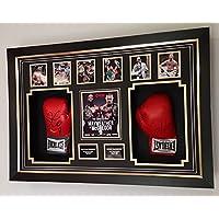 Guantes de boxeo firmados por Conor McGregor y Floyd Mayweather
