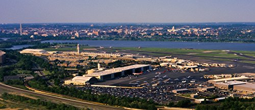 Reagan National Airport (The Poster Corp Panoramic Images - Ronald Reagan Washington National Airport Washington DC USA Kunstdruck (15,24 x 38,10 cm))