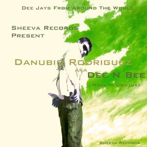 Flyman (DJ Yako Remix) de Dee N Bee en Amazon Music - Amazon.es