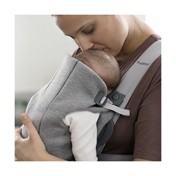 BABYBJÖRN Baby Carrier Mini, 3D Jersey, Light Grey Baby Bjorn Perfect first baby carrier for a newborn Small and easy to use 3D Jersey - Our newest and softest material is as snug as your comfiest T-shirt 3