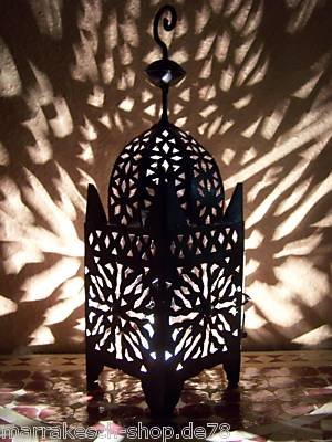 Orientalische Laterne aus Metall Schwarz Frane 42cm groß | Marokkanische Gartenlaterne für draußen, Innen als Tischlaterne | Marokkanisches Gartenwindlicht Windlicht hängend oder zum hinstellen