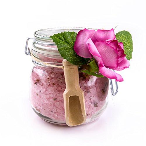 Wellness Badesalz Rose mit 100 % echten Rosenblüten & Deko-Rose im Glas 700 Gramm, Bade-Salz für Hautpflege / guten Schlaf / Entspannung / Stressabbau, Rosen Badezusatz im Schmuckglas als Geschenk