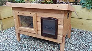Lge Outdoor Cat Shelter with Sureflap Microchip Cat Flap
