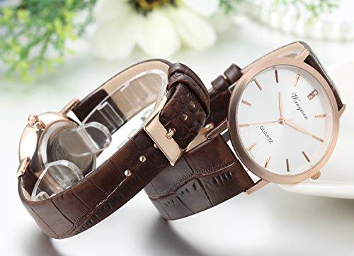 JewelryWe 2pcs Herren Damen Freundschafts Armbanduhr, Elegant Einfach Business Casual Analog Quarz Leder Armband Uhr für Lieben Valentinstag Paar Paare Geschenk, Braun