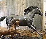 H. Packmor GmbH Bronzeskulptur lebensgroßes laufendes Pferd aus Bronze gefertigt
